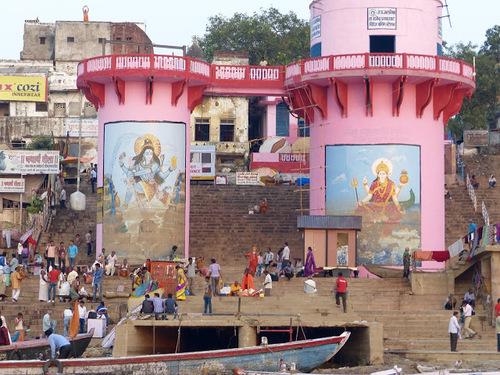 les ghats se remplissent
