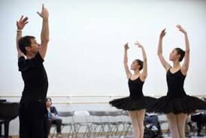 dance ballet class reflexion ballet dancers