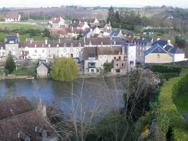 Fresnay-sur-Sarthe -vue des remparts 1