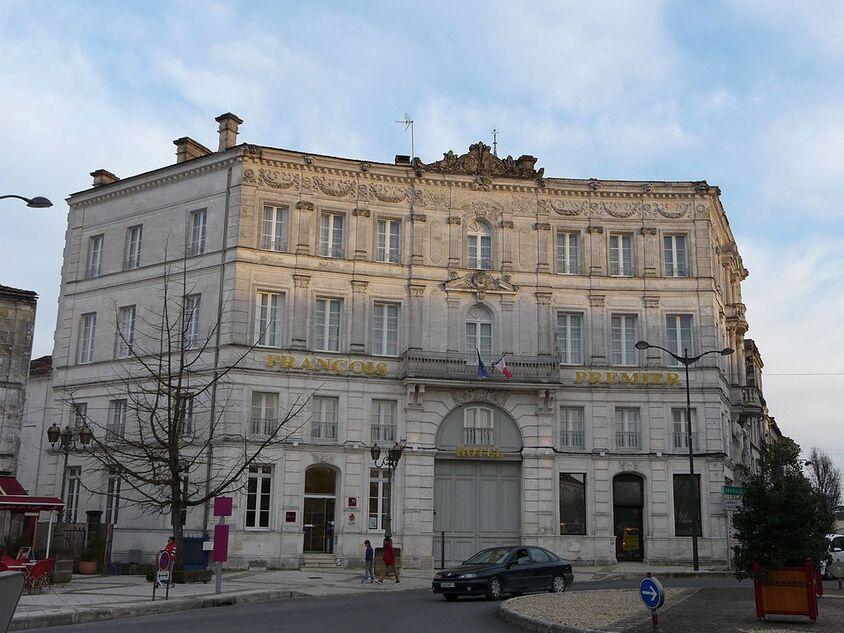 Cognac pl François Ier hôtel François Ier (1).JPG