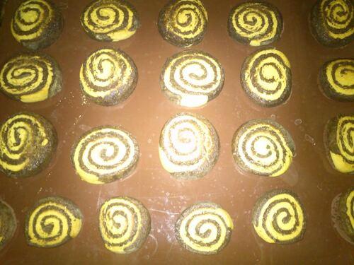 Des petits sablés chocolat/vanille en forme de spirale