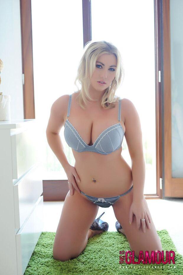 Solo Boobs - 75 - Lyla Ashby