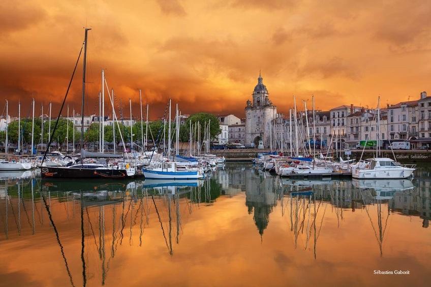 Embrasement du Ciel sur le Vieux Port