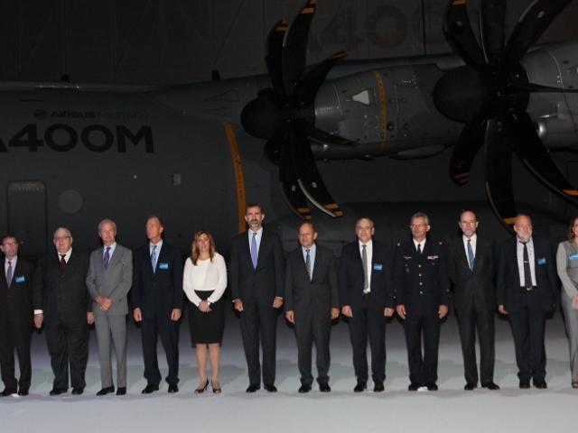 Felipe et l'avion militaire