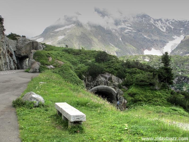THE BIG ALPS TOUR :Où la Suisse nous (susten)te de paysages toujours plus grandioses....