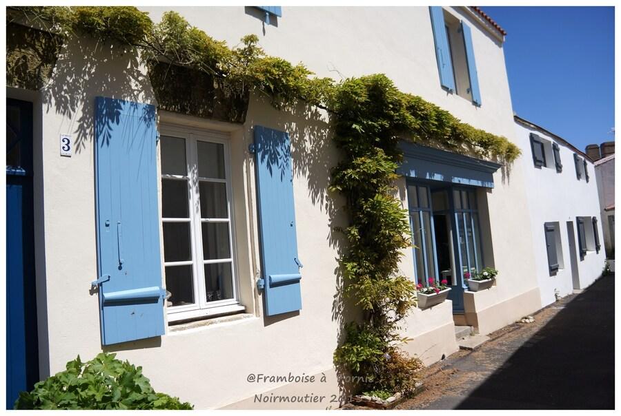 Noirmoutier, quartier historique et Crêperie le PALAIS