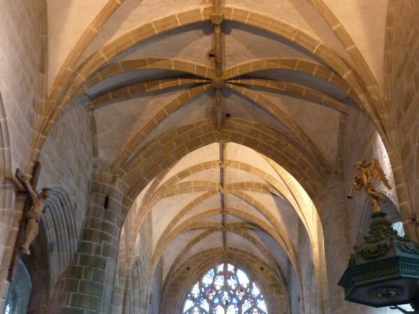 Locronan (Voûtes de l'église)