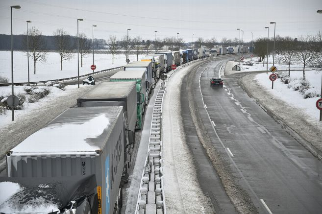 3 000 poids lourds stockés  sur les routes d'Eure et Loir