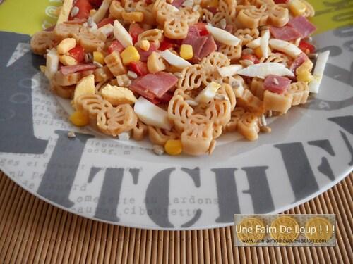 Salade œuf tomate bacon aux pâtes complètes