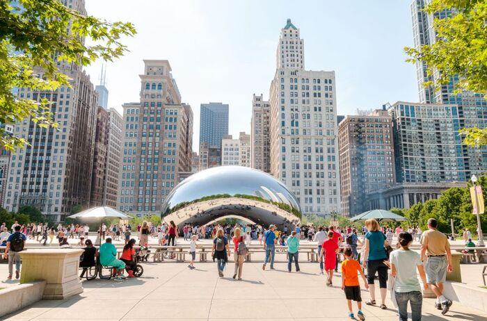 La  Cité Sous Les Nuages - La Ville De Chicago -