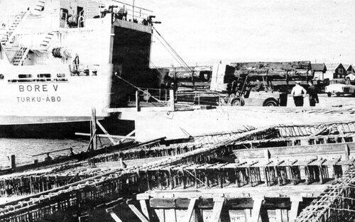 Des lignes roll-on/roll-off au bassin Carnot inaugurées en 1969