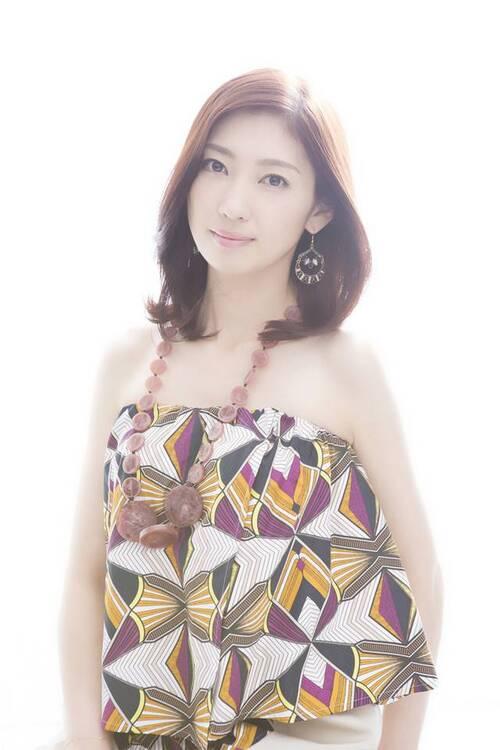 Annonce d'une nouvelle grossesse pour Iida Kaori
