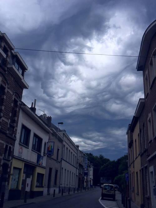 Beaux mais effrayants nuages au-dessus de Woluwe-Saint-Lambert / Saint-Pierre !!!