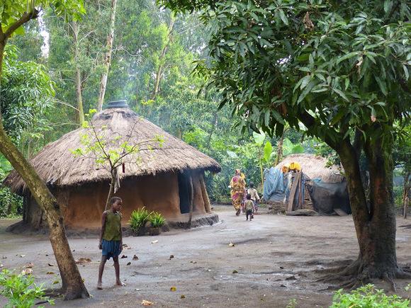 visite d'un village ari, une autre tribu;
