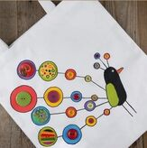 The fun, quirky peacock on this tote is easy to create and can be personalized with different colors. Great project for a crafting party or sleepover! #beverlys #diy #craftparty