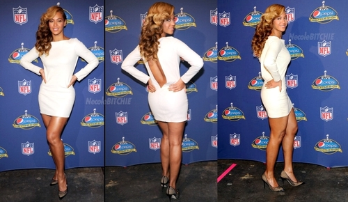 Beyonce: National Anthem Live au Super Bowl Press Conference!
