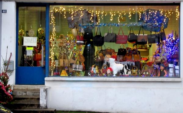 Toujours de belles vitrines à Châtillon sur Seine...