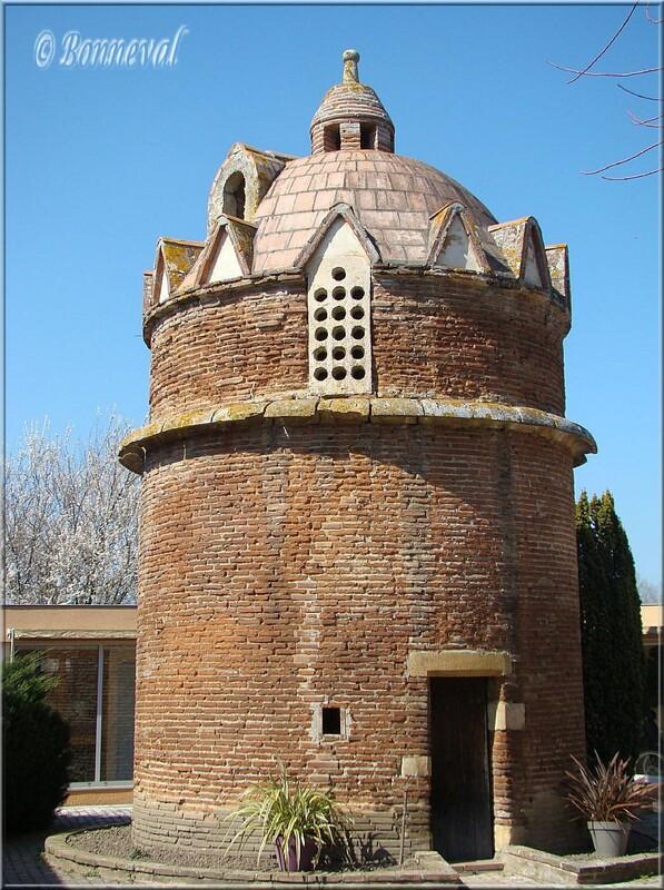 Colombier à pied de Grilhon 16ème et 17ème siècles Carbonne Haute-Garonne