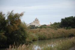 Notre Dame de la Mer depuis le canal
