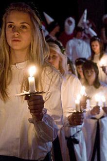http://upload.wikimedia.org/wikipedia/commons/thumb/4/40/Lucia_procession.jpg/220px-Lucia_procession.jpg