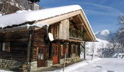 Chalet savoyard traditionnel