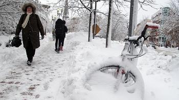 800_ap_us_snow2_110112