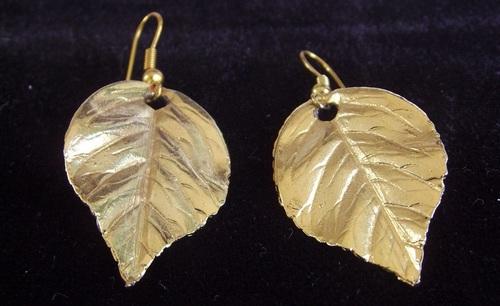 Boucles d'oreilles feuilles couleur or