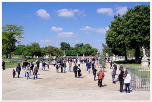 Printemps au Jardin des Tuileries.