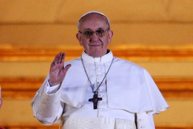 Première bénédiction urbi et orbi du pape François