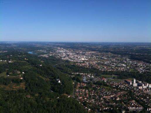 Ville de Jurançon vue du ciel