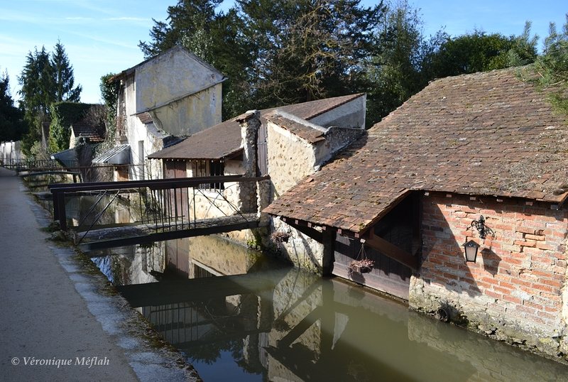 """Ville de Chevreuse : La promenade des Petits Ponts ou """"La rivière aux tanneurs"""""""