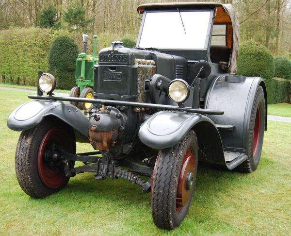 Vieux tracteur - Bulldog Lanz customisé