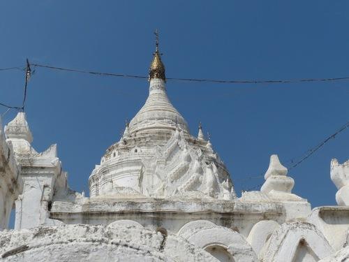 la pagode Hsinbyume à Mingun;