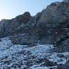 Dans la descente vers la falaise de Caillavérisse, regard derrière