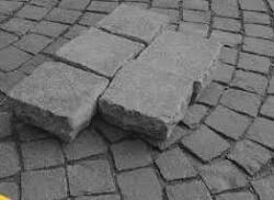 Wolu1200 : Suspension des travaux à cause des pavés chinois sur la place Saint-Lambert ?!