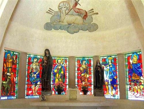 Bezonvaux : l'intérieur de la chapelle-abri