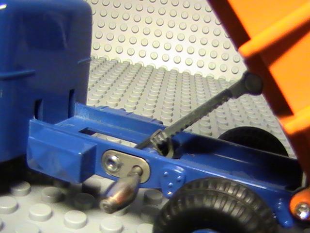 Mes miniatures au 1/43° - Tome 66 - Camions Dinky Toys - Réédition Atlas.