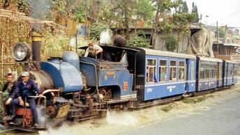 Voyage insolite au pays du thé / Le train du Darjeeling