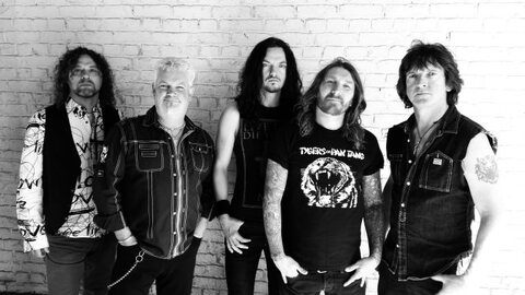 "TYGERS OF PAN TANG - ""Never Give In"" (Clip)"