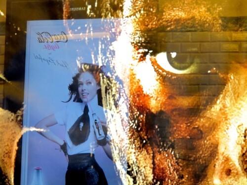 affiche-metro-Predator-Coca-Cola-2.jpg