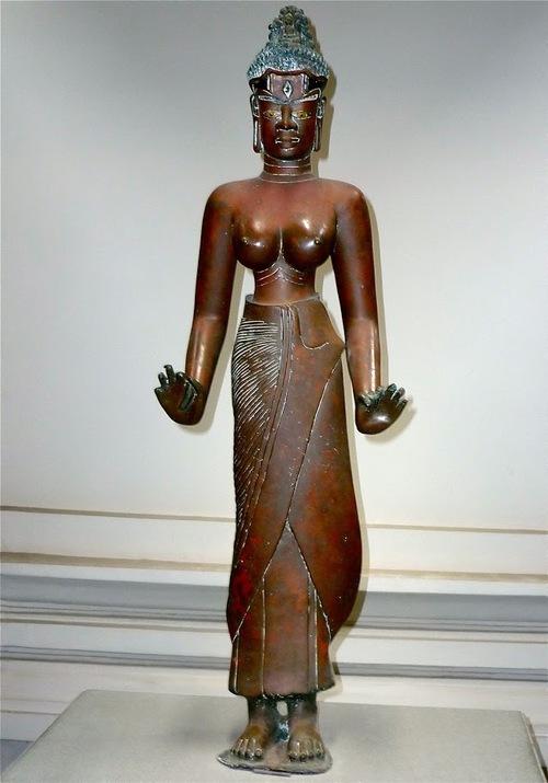 une belle statue;