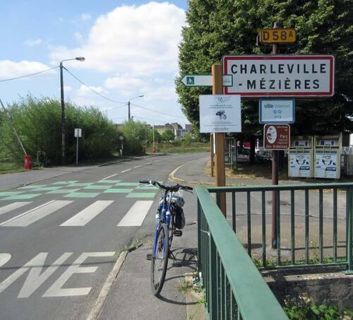 à Charleville