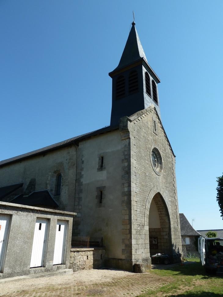 L'église Saint Laurent du XIIe et XIVe siècles. - Orliac-de-Bar