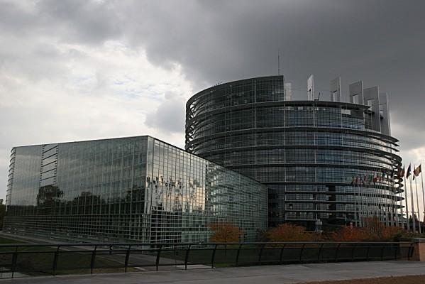 Parlement europeen Strasbourg vue pont Wacken