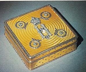 Boîte à cigarettes, or, argent, émail