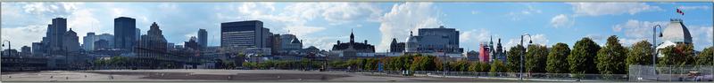 Panorama sur Montréal vu du Quai Jacques Cartier - Québec - Canada