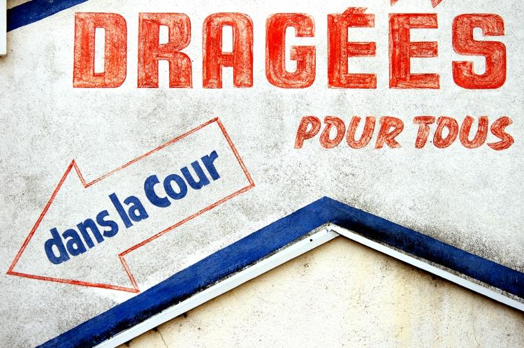 Fabrique de dragées, Le Coteau, mai 2011