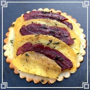 Tartelettes fines Mangue, magrets de canard fumé & épices