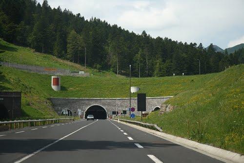 tunnel lioran