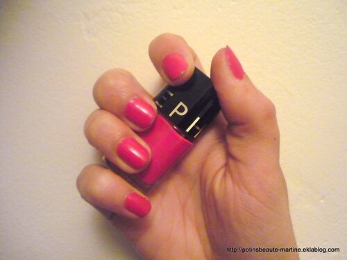 Du rose sur mes ongles en attendant le printemps ! color hit sephora dinner for 2